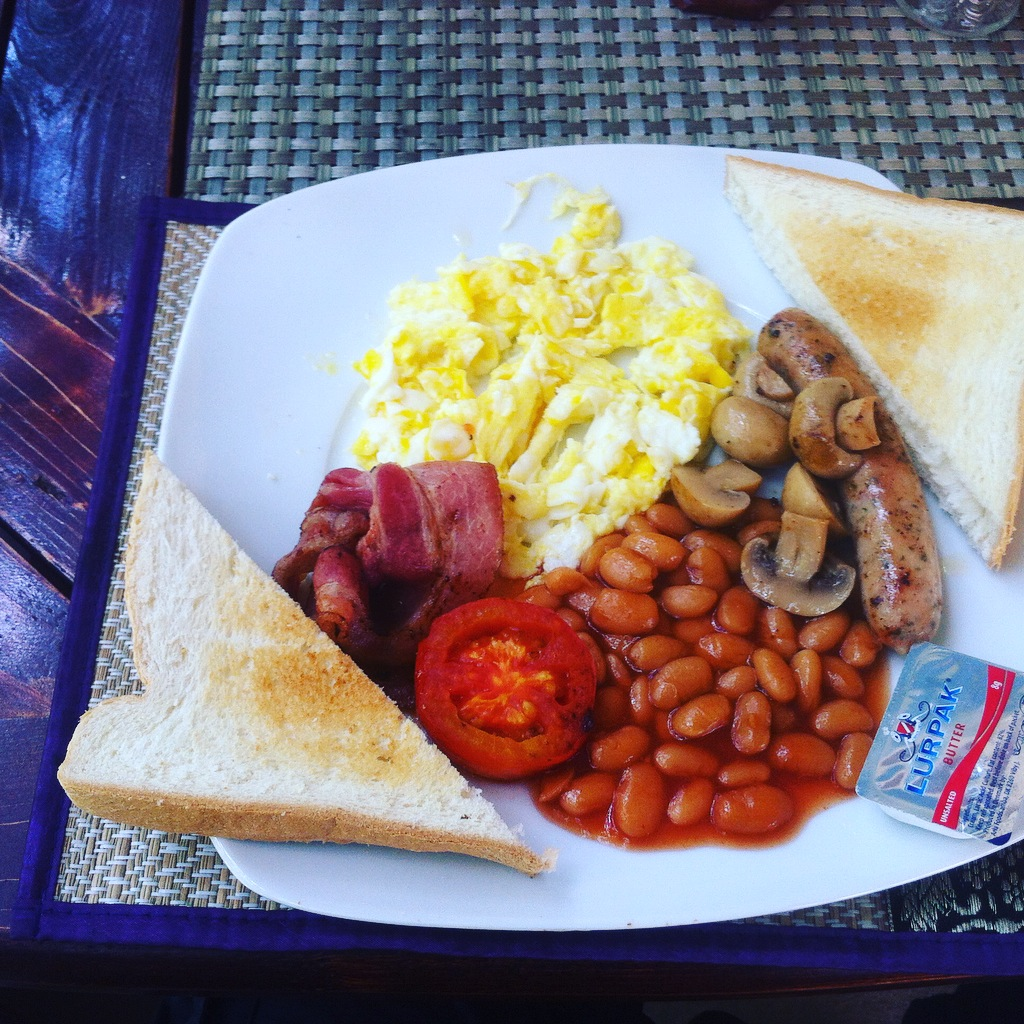 delicious fry up